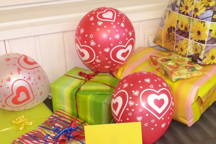 birthday gifts twins party